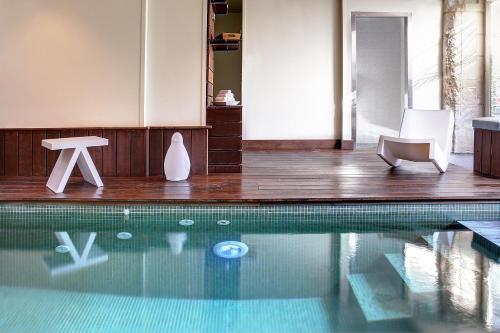 Hotel Restaurant Le Dauphin et Le Spa du Prieuré : Hotel near Soliers