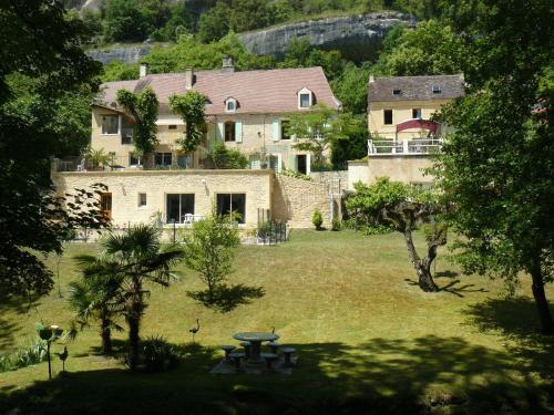 Chambres d'Hôtes & Gites Pouget : Guest accommodation near Les Eyzies-de-Tayac-Sireuil