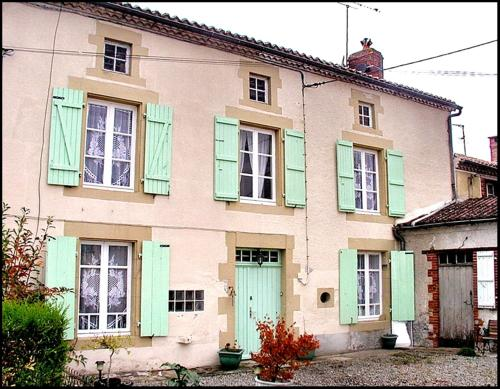 Chambres d'Hotes de Bel Air : Bed and Breakfast near Bellac