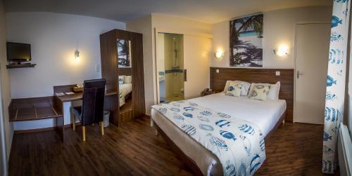 Azur Brit Hotel : Hotel near Saint-André-de-la-Marche