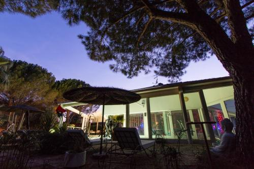 Le Diamant Lodge : Bed and Breakfast near Bernis
