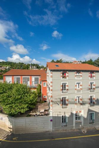 Gîte d'Etape des Capucins : Hostel near Ouides
