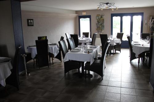 Auberge De Villequier : Hotel near Cerizy