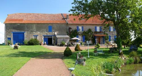 Ferme du Bois Blanc : Bed and Breakfast near Bourgaltroff