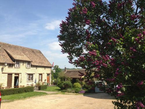Auberge à l'Orée du Bois : Hotel near Gadencourt