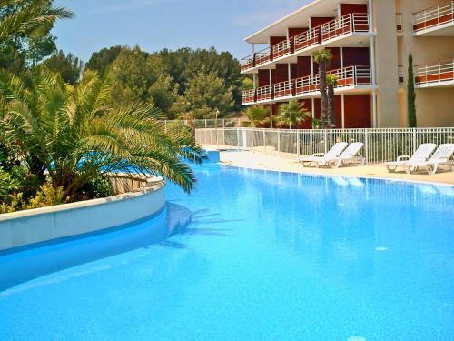 Appart'hôtel Victoria Garden La Ciotat : Guest accommodation near Ceyreste