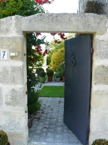 L'Escale de l'Amiral : Bed and Breakfast near Saint-Simon-de-Pellouaille