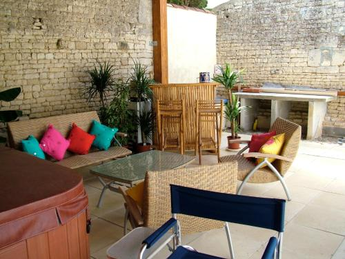 La Maison des Grands Bambous : Bed and Breakfast near Mons