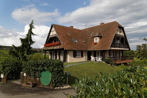 Domaine Roland Geyer : Bed and Breakfast near Sermersheim