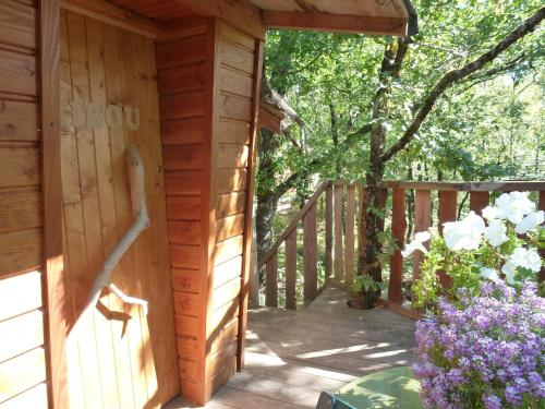 Les Cabanes Silvae : Bed and Breakfast near Frayssinhes