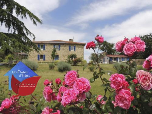 Les Chalets D'Hôtes Esprit Nature : Guest accommodation near Caillavet