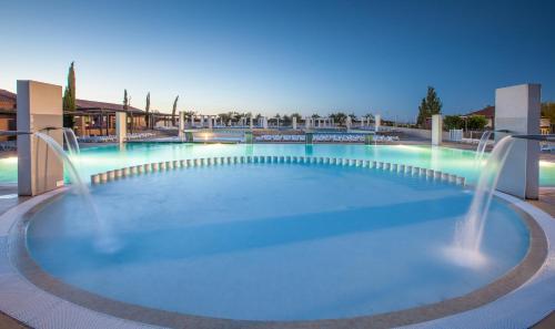 Village Club Domaine de l'Espagnac : Guest accommodation near Cers