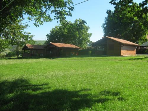 Chalets Etchemendigaraya : Guest accommodation near Iholdy