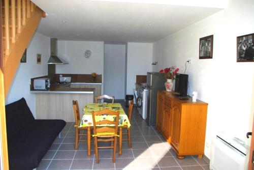 Gite le Mas de l'Amandier : Guest accommodation near Jonquerettes