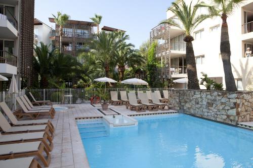 Résidence Pierre & Vacances Premium Port Prestige : Resort near Antibes