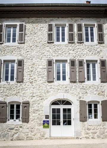 La Colonie - Maison d'Hôtes : Guest accommodation near Dingy-en-Vuache