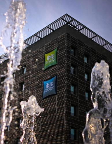 ibis budget Nimes Centre Gare : Hotel near Nîmes