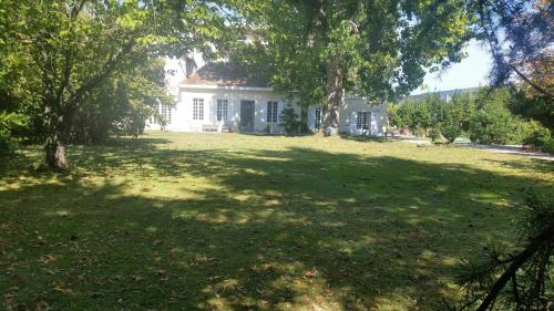 Villa les Marronniers : Bed and Breakfast near Le Haillan