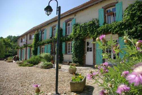 Les Chandelles Bed & Breakfast : Bed and Breakfast near La Boissière-École