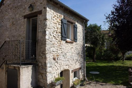 La Luciole : Bed and Breakfast near Rosay