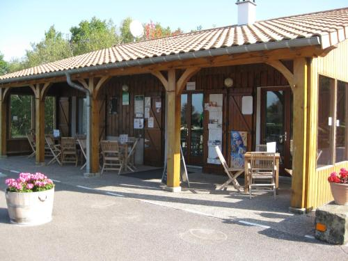 Camping Porte des Vosges : Guest accommodation near Tollaincourt