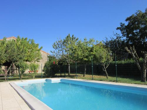 Maison Metcalf : Bed and Breakfast near Saint-Quentin-de-Chalais