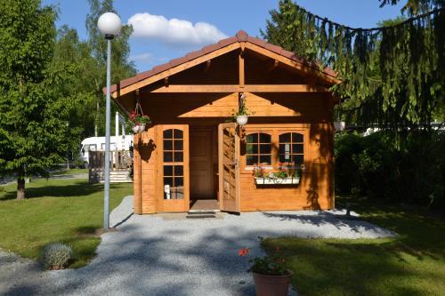 Camping du Lac de la Seigneurie : Guest accommodation near Romagny