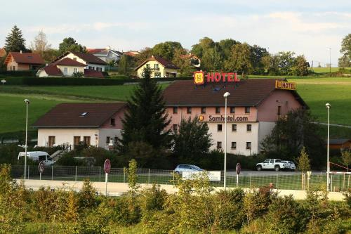 Samhotel : Hotel near Clermont