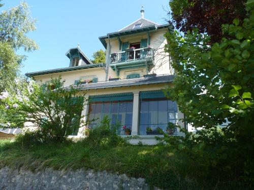 B&B Domaine de la Sauge : Bed and Breakfast near Saint-Aupre