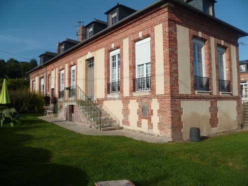 Les Glycines : Guest accommodation near La Rivière-Saint-Sauveur
