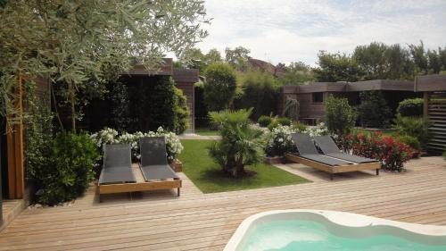 Timazen Lodges : Guest accommodation near Sainte-Colombe-en-Bruilhois