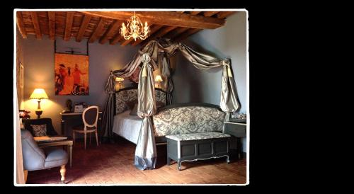 Manoir de Livet : Bed and Breakfast near Le Mesnil-Germain