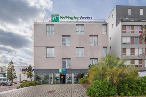 Holiday Inn Express Saint-Nazaire : Hotel near Saint-Malo-de-Guersac