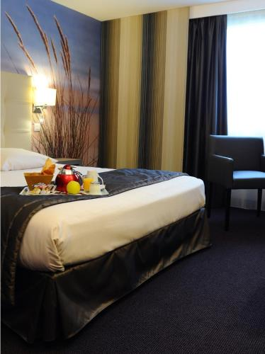 Mercure Caen Cote De Nacre : Hotel near Mathieu
