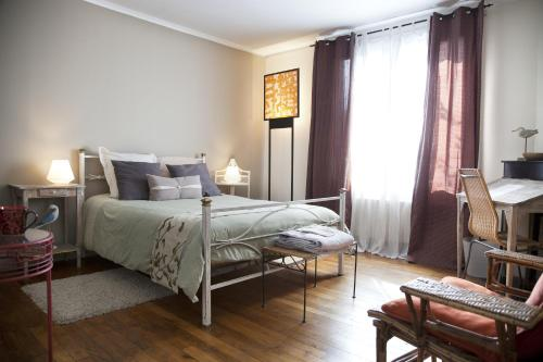 Chambres d'hôtes Chez Kate B&B : Bed and Breakfast near Joinville-le-Pont