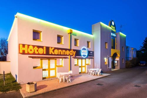 Hôtel Kennedy Parc des Expositions : Hotel near Bernac-Dessus