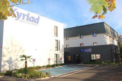 Kyriad Saint Quentin en Yvelines - Montigny : Hotel near Bois-d'Arcy