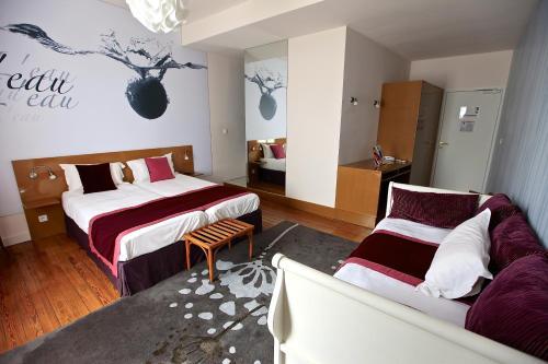 Hotel The Originals Bagnoles-de-l'Orne Ô Gayot (ex Inter-Hotel) : Hotel near Les Yveteaux