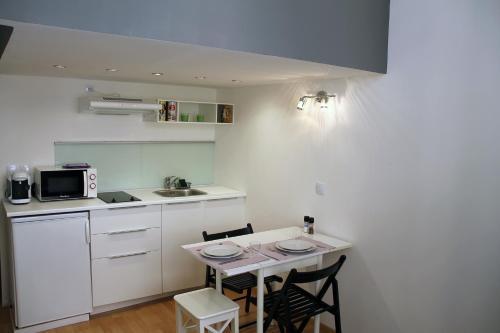 Studio tout confort Aix Rotonde : Apartment near Aix-en-Provence