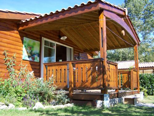 Le Papillon : Guest accommodation near Tanzac