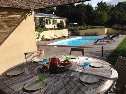 Borie Grande : Guest accommodation near Brousses-et-Villaret