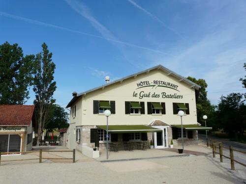 Le Gué des Bateliers : Guest accommodation near Saint-Marcel