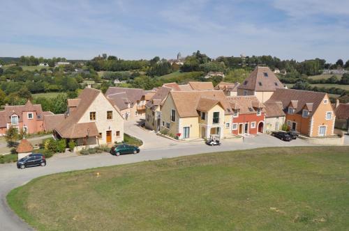 Le Haut-Val Résidences : Guest accommodation near Bellême