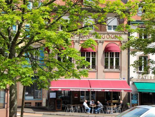 Hôtel Restaurant La Cigogne : Hotel near Soultzeren