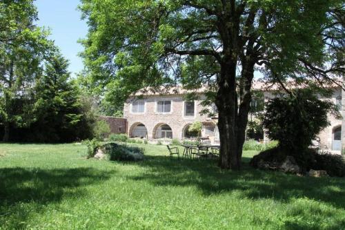 Mas des Clauzals : Guest accommodation near Campestre-et-Luc