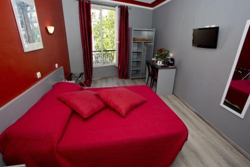 Hipotel Paris Voltaire Bastille : Hotel near Paris 11e Arrondissement