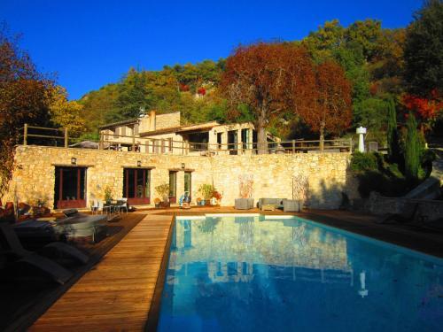 Gites de charme Le nid d'amour : Guest accommodation near Viens