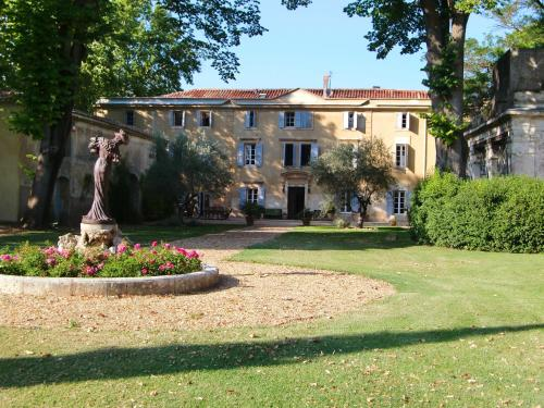 Château Rieutort : Bed and Breakfast near Plaissan