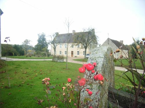 Le Petit Manoir : Bed and Breakfast near Les Rotours