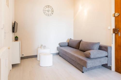 Appartement Monplaisir : Apartment near Vénissieux